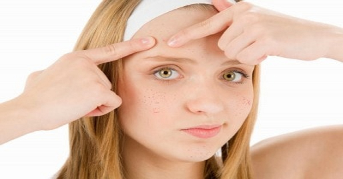 What Causes Pimples or Rashes in Teenagers?
