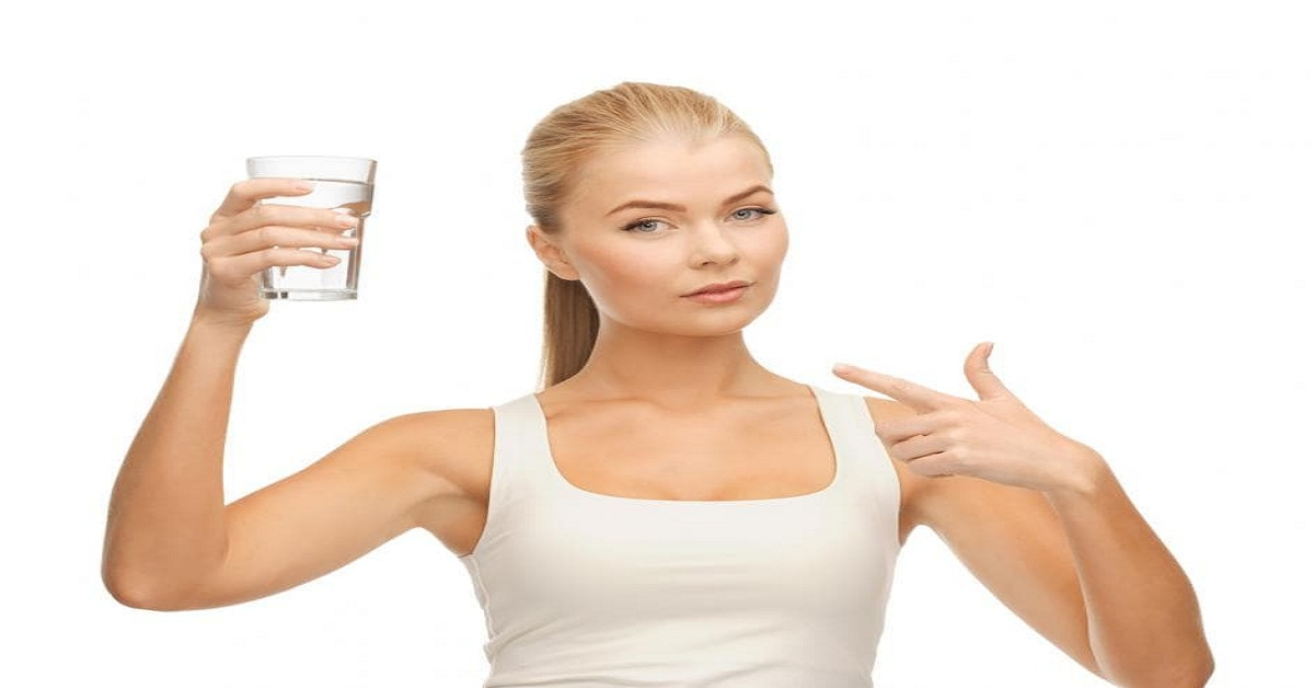 Does Water Help in Reducing Fat From the Body