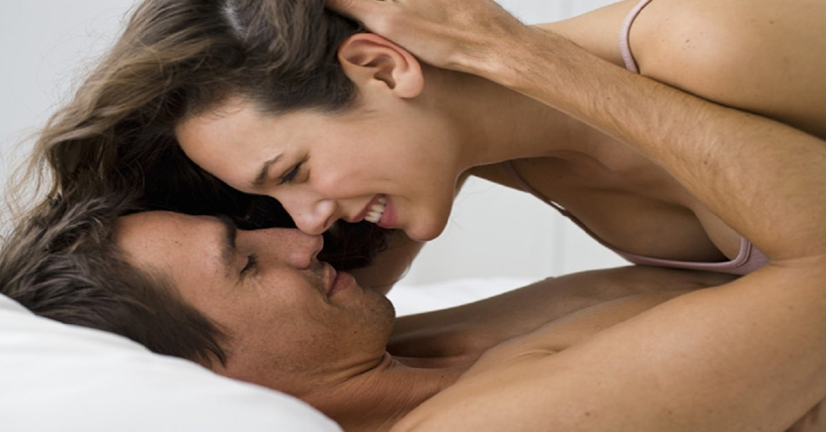 How to satisfy men in bed?